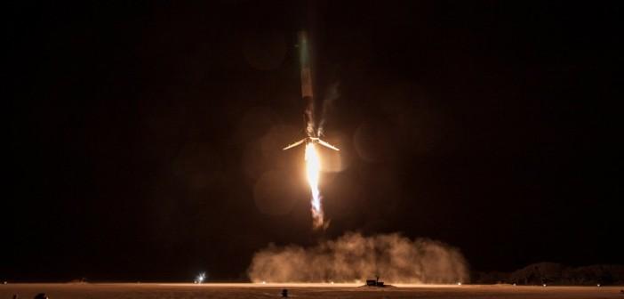 Lądowanie pierwszego stopnia Falcona 9R - 22 grudnia 2015 / Credits - SpaceX