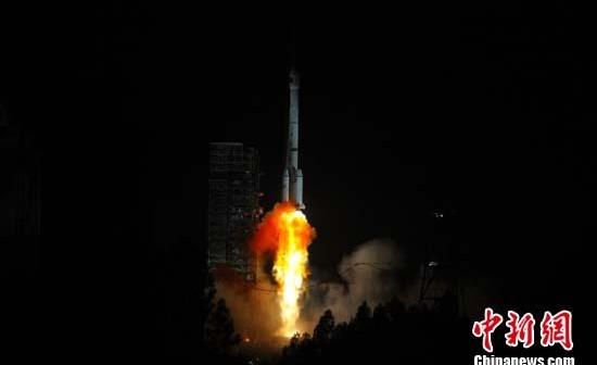 Start rakiety Długi Marsz 3B/G2 z satelitą Gaofen-4 / Źródło: chinanews.com