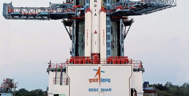 Rakieta PSLV na stanowisku startowym / Credits: ISRO