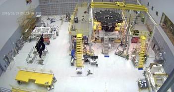 Koniec instalacji luster JWST (luty 2016) / Credits - NASA
