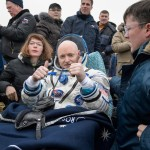 Scott Kelly po powrocie na Ziemię / Credits - NASA, Bill Ingalls