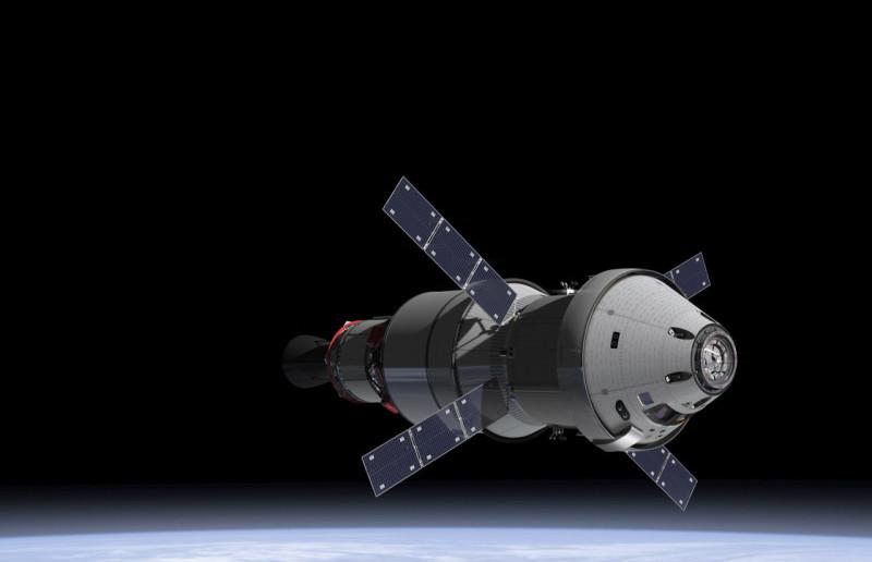 MPCV Orion z Europejskim modułem serwisowym oraz górnym stopniem rakiety SLS / Credits: NASA