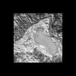 Ślad dawnego plutońskiego jeziora ciekłego azotu? / Credits - NASA/JHUAPL/SwRI