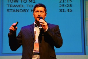 Krzysztof Kanawka prezentuje projekt firmy Blue Dot Solutions na Disrupt Space / Credits - Blue Dot Solutions