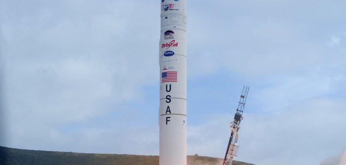 Rakieta Minotaur IV, oparta na konstrukcji ICBM LGM-118 Peacemaker / Credits - USAF