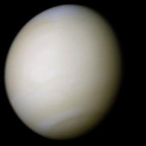 Planeta Wenus w świetle widzialnym. Zdjęcie wykonała sonda Mariner 10 / Credits: NASA