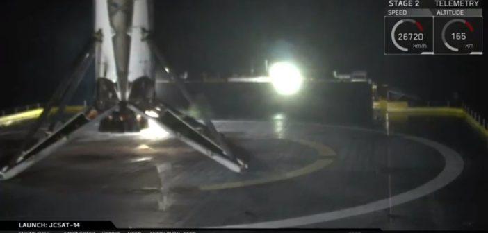 Pierwszy stopień Falcona 9 ponownie wylądował na barce ASDS / Credits: SpaceX