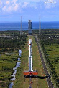 Wytaczanie pierwszej rakiety CZ-7, kosmodrom Wenchang, 22 czerwca 2016 / Credit: Xinhua