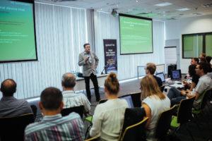Zespoły prezentują swoje projekty podczas Finału / Źródło: Michał Skotarcz