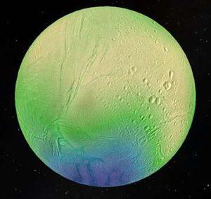 Zdjęcie przedstawia grubość skorupy lodowej Enceladusa, która osiąga 35 km w silnie usianych kraterami obszarach równikowych (żółty) i mniej niż 5 km w aktywnym obszarze bieguna południowego (niebieski). Źródło: LPG-CNRS-U. Nantes/U. Karola, Praga