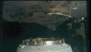 Cumowanie pojazdu Dragon do Międzynarodowej Stacji Kosmicznej (NASA TV)