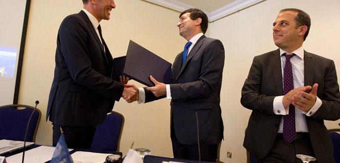 Cypr podpisuje porozumienie o współpracy z Europejską Agencją Kosmiczną / Źródło: Ministry of Transport, Communications and Works, Cyprus