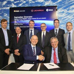 Podpisanie umowy na projekt PROSPECT dla lądownika Łuna-Resurs, między Leonardo-Finmeccanica a ESA, 12 lipca 2016 / Credit: Leonardo-Finmeccanica
