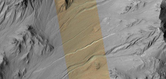 Spojrzenie na młode marsjańskie żleby / Credits - NASA, JPL, Uni of Arizona