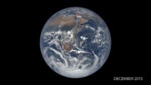 Widok z kamery EPIC na Ziemię w grudniu 2015 roku / Credits - NASA