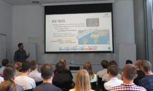 Prezentacja jednego z zespołów biorących udział w Space3ac / Credits - Blue Dot Solutions