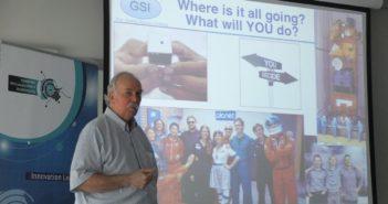 Prezentacja Profesora Scotta Madry'ego na Space3ac (2016) / Credits - Blue Dot Solutions