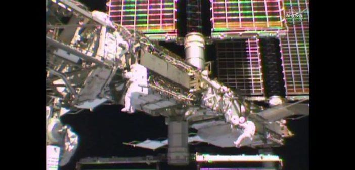 Amerykanie wykonali udany spacer kosmiczny EVA-37 / Źródło: NASA TV