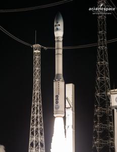 Start rakiety Vega z ładunkiem pięciu satelitów obserwacji Ziemi (Arianespace)