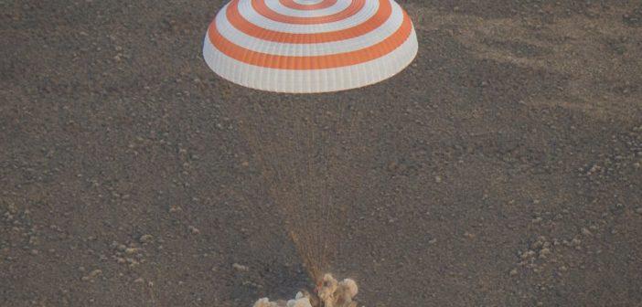 Powrót Sojuza MS-01 na Ziemię / Credits - NASA, Bill Ingals