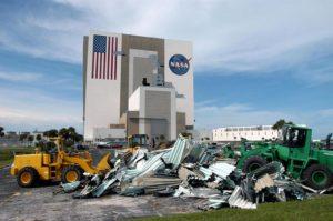 Okolice VAB po przejściu huraganu Matthew / NASA