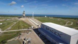 Wyrzutnia LC-39A oraz hangar firmy SpaceX / Credits - NASA