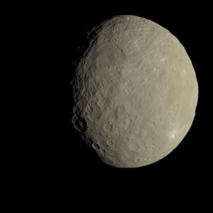 Obraz Ceres przedstawiający planetę karłowatą w naturalnych barwach (NASA/JPL-Caltech/UCLA/MPS/DLR/IDA)