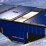 Wizja artystyczna jednego z satelitów CYGNSS na orbicie Ziemi (NASA)