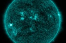 Pięć minut po fazie maksymalnej rozbłysku klasy M1.2 z 30 listopada / Credits - NASA, SDO