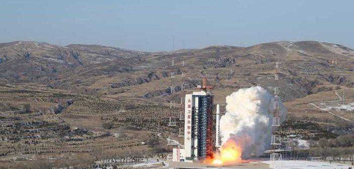Start rakiety CZ-2D z satelitami SuperView. Źródło: CCTV