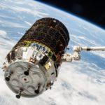 Pojazd HTV przechwycony przez ramię stacji SSRMS / NASA