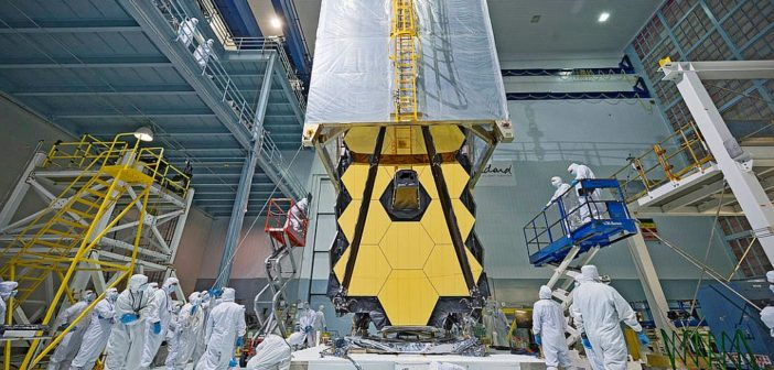 Teleskop JWST w czasie testów / Źródło: NASA
