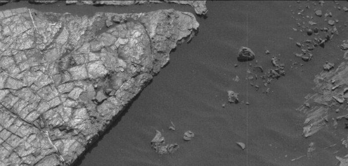 Zdjęcie skał badanych przez MSL w trakcie Sol 1555 / Credits - NASA/JPL-Caltech/MSSS