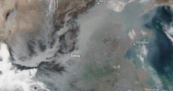 Smog w Chinach widziany przez Suomi NPP / Credits - NASA / Jeff Schmaltz, LANCE/EOSDIS Rapid Response, Mike Carlowicz