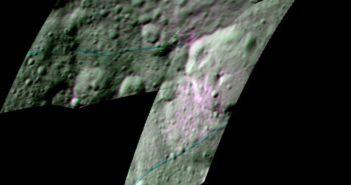 Obraz krateru Ernutet. Kolor niebieski odpowiada długości fali 2000 nm, zielony - 3400 nm a 1700 nm to kolor czerwony / Credits - NASA/JPL-Caltech/UCLA/ASI/INAF