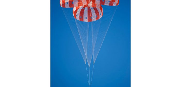 Test spadochronów MPCV Orion / Credits - NASA