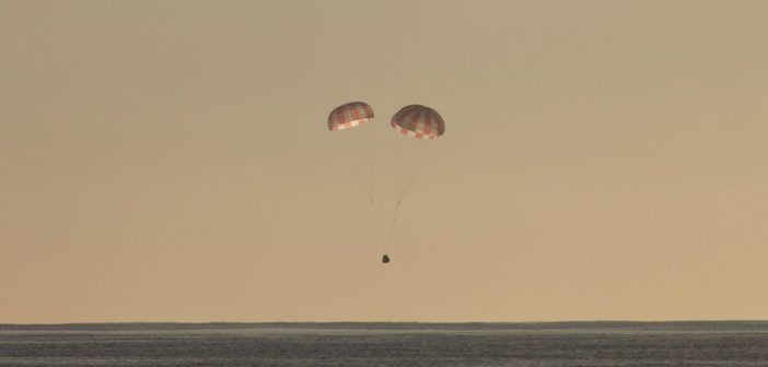 Tuż przed wodowaniem kapsuły Dragon - koniec misji CRS-10 / Credits - SpaceX