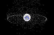 Graficzna prezentacja śmieci na LEO i GEO / Credits - NASA