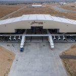 Wyprowadzenie Stratolaunch z hangaru / Credits- Stratolaunch Systems