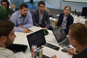 Prace podczas pierwszego dnia hackatonu w Gdańsku / Credits - Blue Dot Solutions