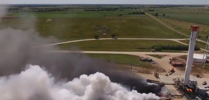 Test głównego stopnia Falcon Heavy / Credits - SpaceX