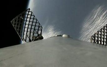 Pierwszy stopień rakiety Falcon 9 kieruje się do miejsca lądowania (SpaceX)