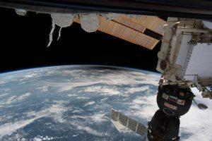 Cień Księżyca na Ziemi widziany z pokładu ISS / Credits - NASA