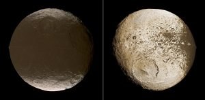 Spojrzenie na dwie półkule księżyca Japetus / Credits - NASA