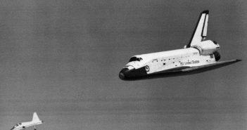 Prom Columbia podchodzi do lądowania / Credits - NASA