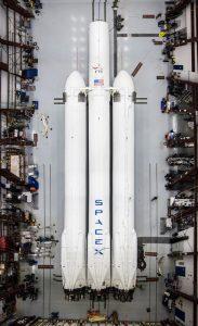 Zintegrowana rakieta Falcon Heavy / Credits - SpaceX