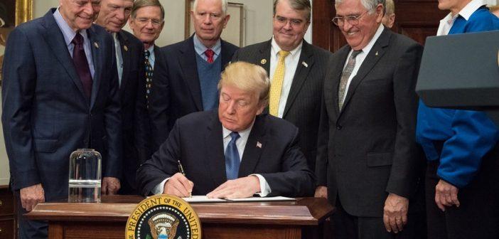 """Trump podpisał """"Dyrektywę Polityki Kosmicznej"""""""