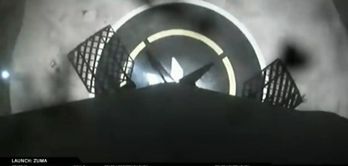 Tuż przed lądowaniem pierwszego stopnia - start Zuma / Credits - SpaceX