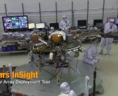 Testy paneli lądownika InSight
