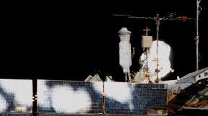 Prace przy antenie komunikacyjnej modułu Zwiezda - EVA-44 / Credits - NASA TV